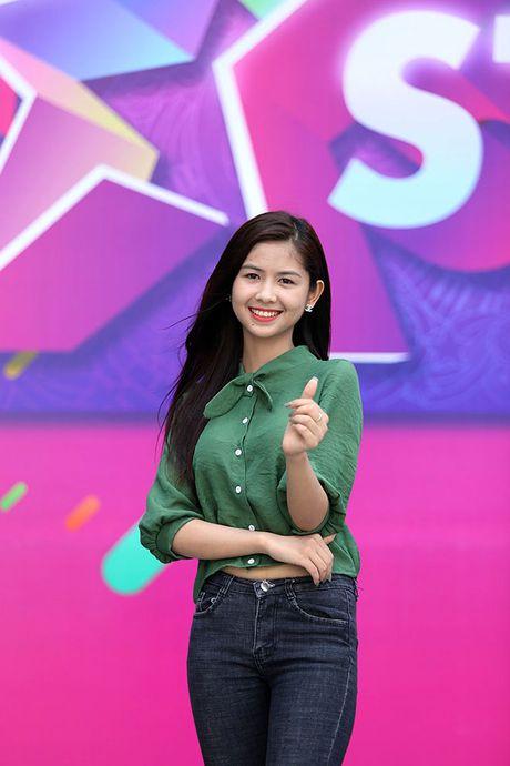 Hot girl 'chan khoeo, mat lac' gay bat ngo o cuoc thi Miss Teen - Anh 8