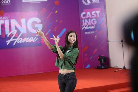 Hot girl 'chan khoeo, mat lac' gay bat ngo o cuoc thi Miss Teen - Anh 9