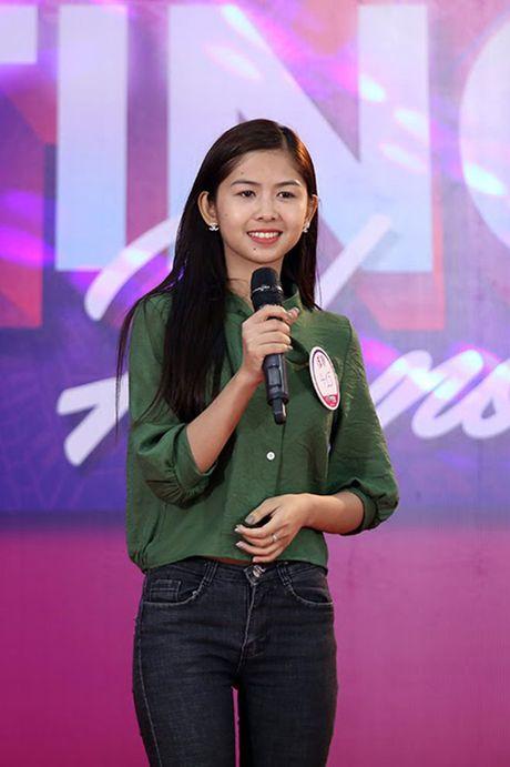 Hot girl 'chan khoeo, mat lac' gay bat ngo o cuoc thi Miss Teen - Anh 3