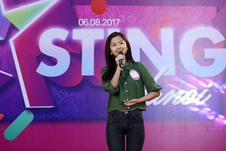 Hot girl 'chan khoeo, mat lac' gay bat ngo o cuoc thi Miss Teen - Anh 4