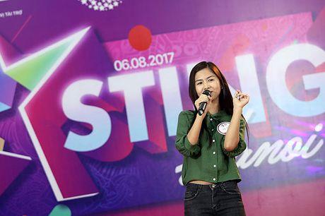 Hot girl 'chan khoeo, mat lac' gay bat ngo o cuoc thi Miss Teen - Anh 6