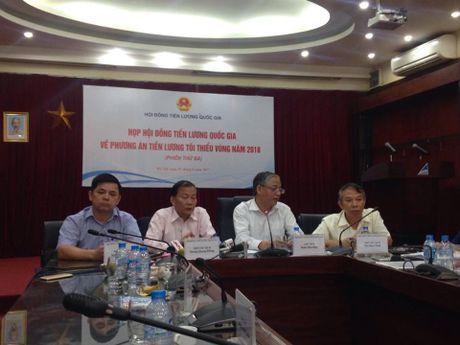Chot tang luong nam 2018 muc 6,5%: Hai ben khong hai long - Anh 1