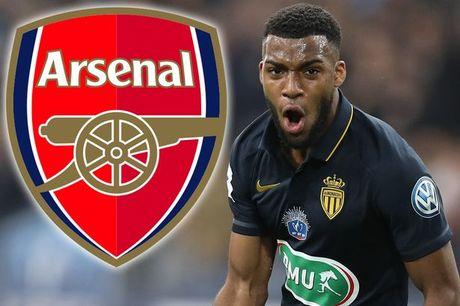 Chuyen nhuong Premier League: Arsenal 'kich hoat bom tan', Man City mua Sanchez - Anh 1