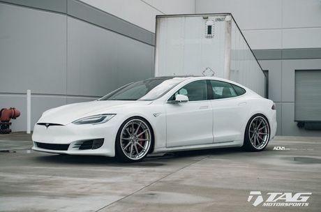 Sieu xe dien Tesla Model S 3 ty do mam 'hang khung' - Anh 1
