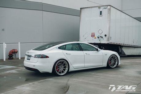 Sieu xe dien Tesla Model S 3 ty do mam 'hang khung' - Anh 3
