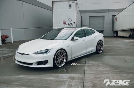 Sieu xe dien Tesla Model S 3 ty do mam 'hang khung' - Anh 4