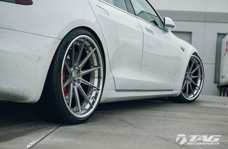 Sieu xe dien Tesla Model S 3 ty do mam 'hang khung' - Anh 7
