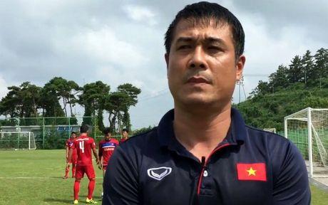 HLV Huu Thang: Toi bat ngo ve thong tin loai 4 cau thu U22 Viet Nam - Anh 1