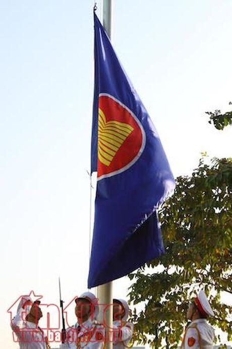 TP Ho Chi Minh cam xe nhieu tuyen duong phuc vu Le thuong co ASEAN - Anh 1