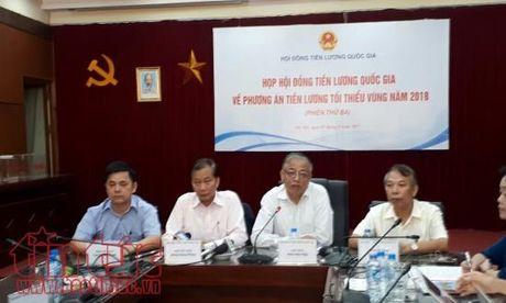 Chot muc tang luong toi thieu vung nam 2018 la 6,5% - Anh 1