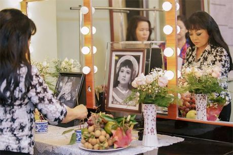 La nhan vat chinh trong liveshow, Mr Dam van vao hau truong lam toc, 'len do' cho moi nguoi - Anh 8