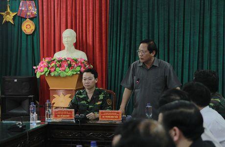 Bo truong TT&TT tham hoi ba con vung lu Mu Cang Chai - Anh 9