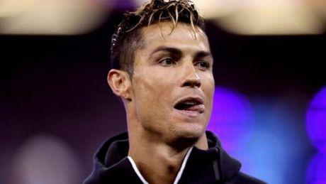 CAP NHAT tin toi 7/8: Ronaldo co the ngoi tu 7 nam. Chu tich Barca tuyen bo gay soc ve Neymar - Anh 1