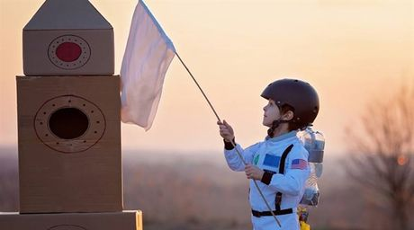 De nghi 'bao ve Trai Dat', be 9 tuoi duoc NASA hoi dap bat ngo - Anh 4