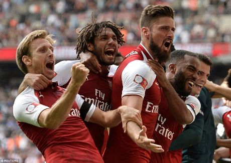 Toan canh: Chelsea tu ban vao chan, Arsenal vo dich Community Shield - Anh 13