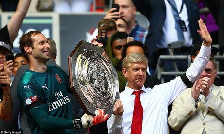 Toan canh: Chelsea tu ban vao chan, Arsenal vo dich Community Shield - Anh 14