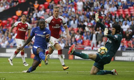 Toan canh: Chelsea tu ban vao chan, Arsenal vo dich Community Shield - Anh 5