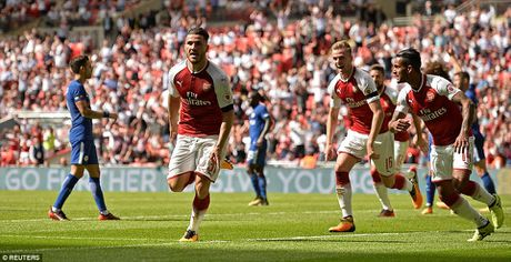 Toan canh: Chelsea tu ban vao chan, Arsenal vo dich Community Shield - Anh 9