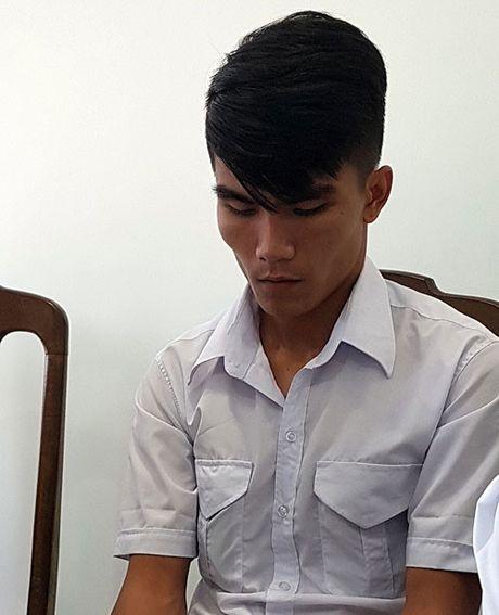 Sa thai tai xe taxi Hai Van 'chat chem' du khach o Da Nang - Anh 2
