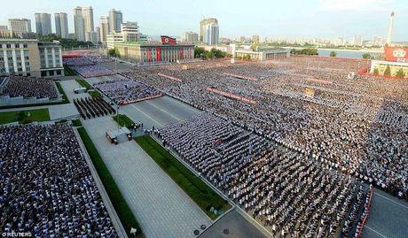 Van dan Trieu Tien do ra duong ung ho ong Kim Jong-un - Anh 3