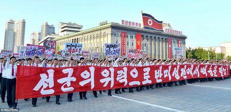 Van dan Trieu Tien do ra duong ung ho ong Kim Jong-un - Anh 4
