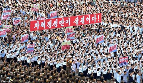 Van dan Trieu Tien do ra duong ung ho ong Kim Jong-un - Anh 6
