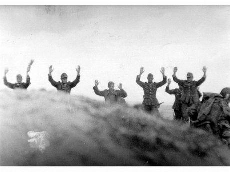 Tham hoa cua quan Dong Minh trong Ngay D-Day - Anh 18