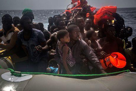 Chau Au chia re vi van de nguoi ti nan Libya - Anh 1