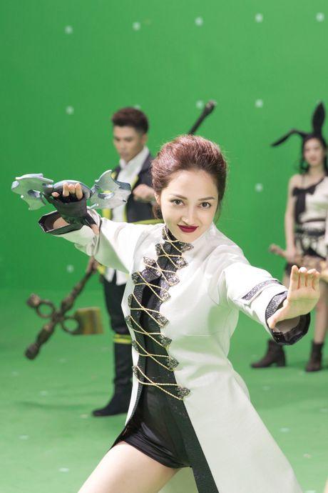 Bao Anh hoa da nu, Ngo Thanh Van xam tro day minh trong phim moi - Anh 4