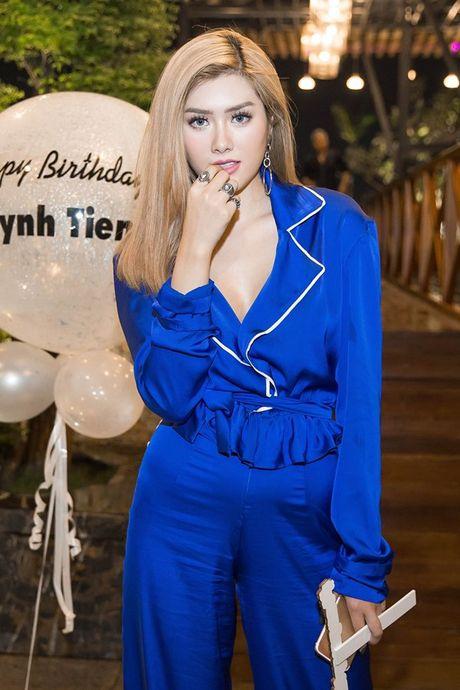Chi moi 22 tuoi, Huynh Tien da so huu gia tai 'khung' the nay! - Anh 2