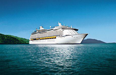 3.000 khach tau bien Voyager of the Seas cap cang Chan May va Nha Trang - Anh 1