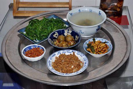Me Ha Noi dinh cu o Sai Gon khoe mam com ai nhin cung phai chu y bat nuoc cham - Anh 7