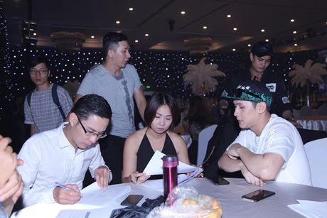 Nguyen Vu tat bat voi buoi ra mat album ky niem 25 nam ca hat - Anh 2