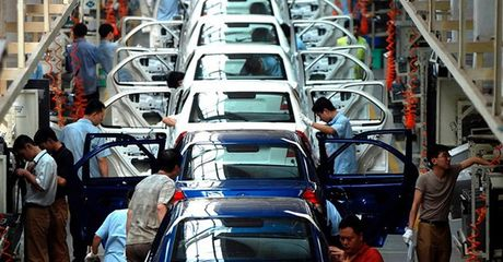 Nam 2018, xe nhap tu Thai da bao gom phi van chuyen van re hon xe 'made in Vietnam' - Anh 1