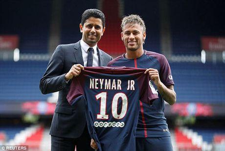 Neymar xem xet kien Barca quyt tien len FIFA - Anh 1