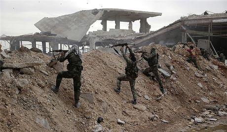 Raqqa: Quan doi Syria siet thong long IS o thanh tri cuoi cung - Anh 1