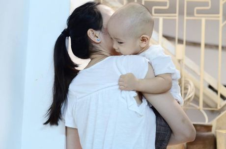 10 thang tuoi, con trai thu hai cua Ngo Quang Hai van chua co toc - Anh 2