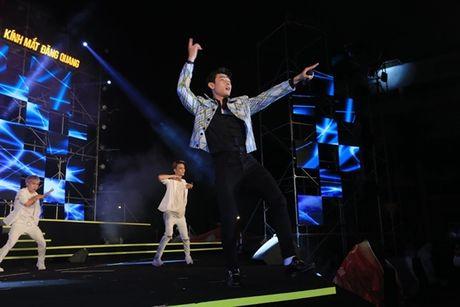 DJ Oxy khoe vai tran, Isaac trinh dien an tuong tai Festival Dang Quang - Anh 2