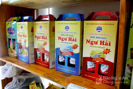 Gian hang nong san sach Xanh Mart Vinh 'hut' khach - Anh 2
