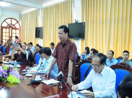 Vu chay than 8 nguoi chet:Giam doc BV tinh Hoa Binh bi cach chuc 1 nam - Anh 1