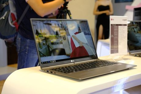 Can canh laptop LG Gram nhe nhat the gioi, pin dung 17,5 tieng vua ra mat tai Viet Nam - Anh 15