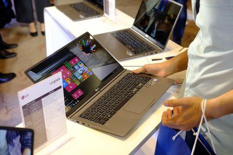 Can canh laptop LG Gram nhe nhat the gioi, pin dung 17,5 tieng vua ra mat tai Viet Nam - Anh 6