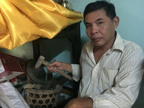 Khac nghiet nghe 'tai deo tieng bua' - Anh 1