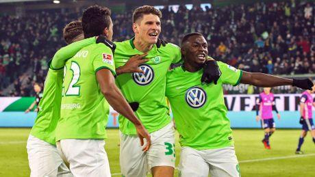Nha cai co cho rang Bayern se len ngoi vo dich Bundesliga lan thu 6? - Anh 1
