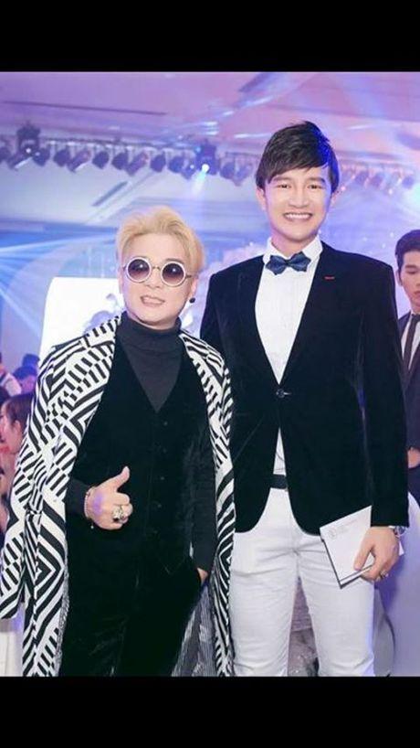 Vo cu Phan Thanh Binh lai khoe anh ben 'trai la' - Anh 13
