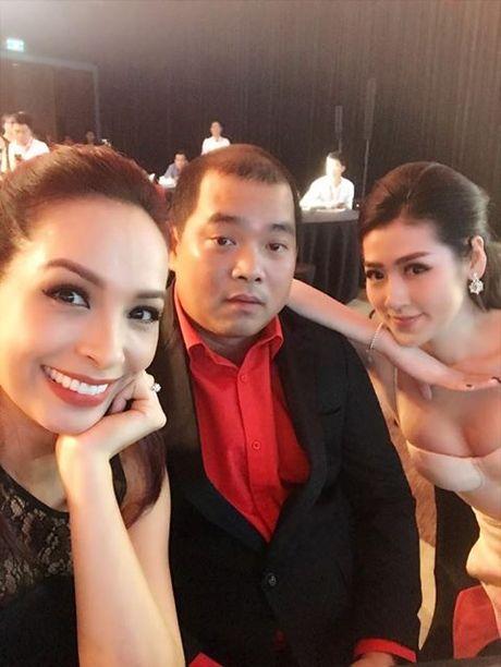 Vo cu Phan Thanh Binh lai khoe anh ben 'trai la' - Anh 8