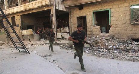 Tinh hinh Syria moi nhat ngay 13/8: Tho Nhi Ky lai bat dau 'dom ngo' tinh Idlib - Anh 1