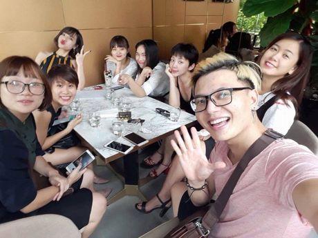 Khoe anh cung dan hoc tro The Voice 2017, Toc Tien khong he nhac den Hien Ho? - Anh 3