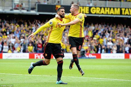 BXH Premier League 2017/2018: Huddersfield dan dau, Chelsea hang 16 - Anh 10