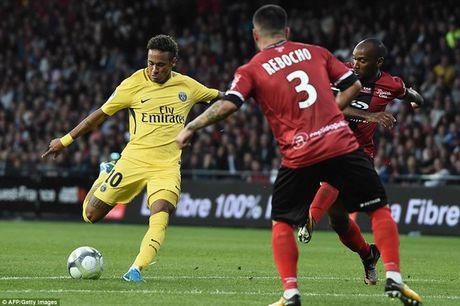 'Sieu bom tan' Neymar ghi ban, kien tao o tran ra mat PSG - Anh 2